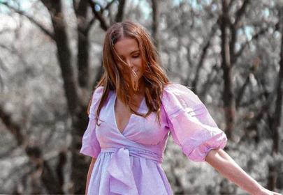 Anna Wendzikowska w modnej liliowej sukience z Reserved
