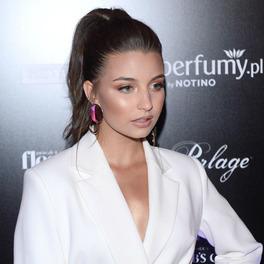 julia wieniawa makijaż fryzura