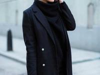 czarny klasyczny płaszcz z guzikami