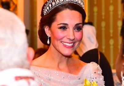 Królowa Elżbieta krytykuje księżną Kate za ubiór