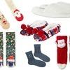 Zabawne skarpetki lub świąteczne kapcie