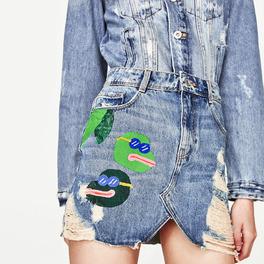 zara dżinsowa spódnica mini z naszywkami