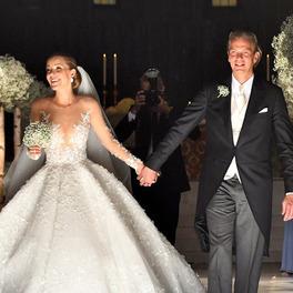 suknia ślubna w stylu księżniczki Victoria Swarovski