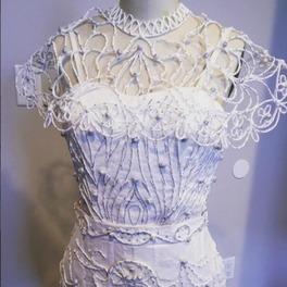 suknia ślubna zdobienia z papieru toaletowego