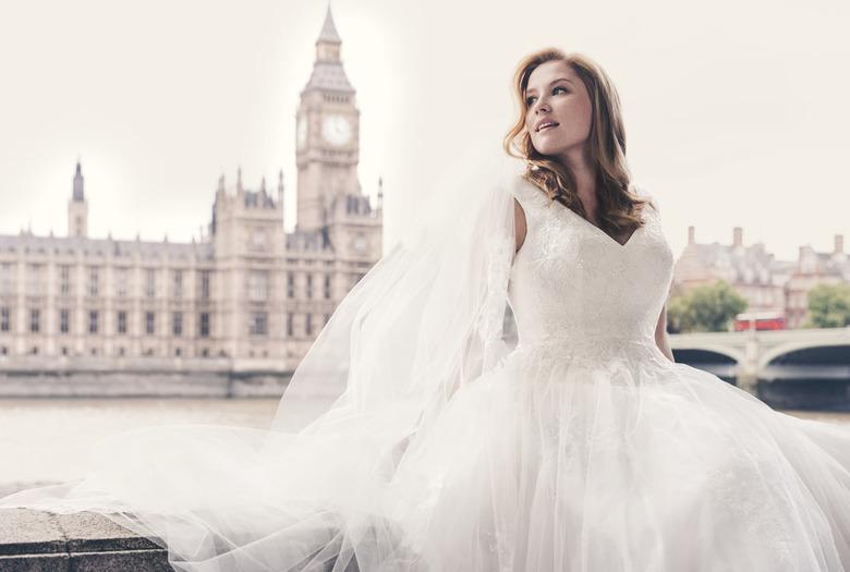 modelka plus size suknie ślubne