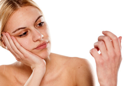 grzybica paznokci objawy leczenie