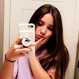 dziewczyna szatynka selfie w lustrze