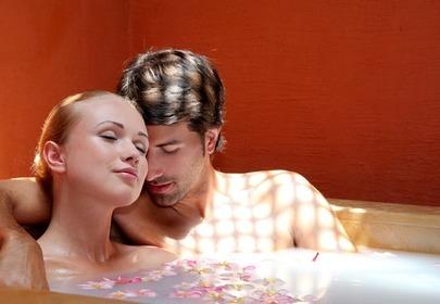 romantyczna kąpiel na walentynki