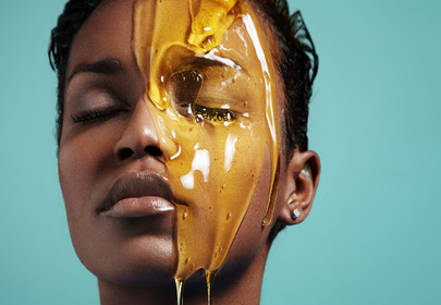 mycie twarzy miodem