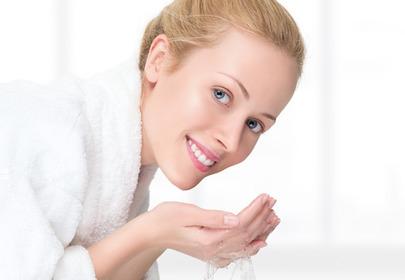 oczyszczanie twarzy w domu w salonie kosmetycznym