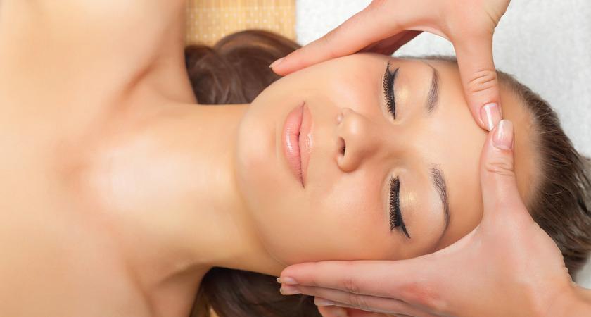 odmładzajacy masaż twarzy