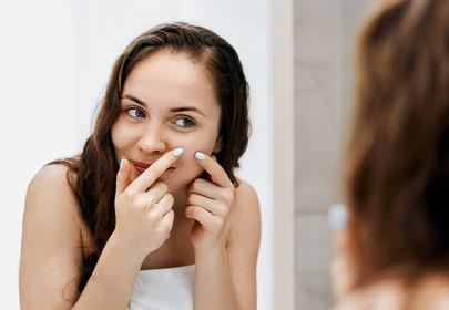 rodzaje trądziku trądzik pospolity trądzik osoby dorosłej trądzik różowaty leczenie retinol antybiotyki kwas salicylowy kwas glikolowy kwas azelainowy