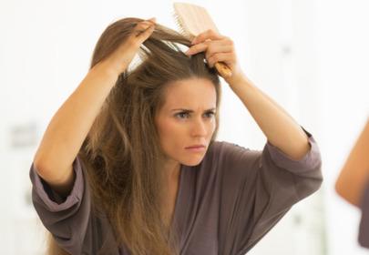 sucha skóra głowy przyczyny sposoby
