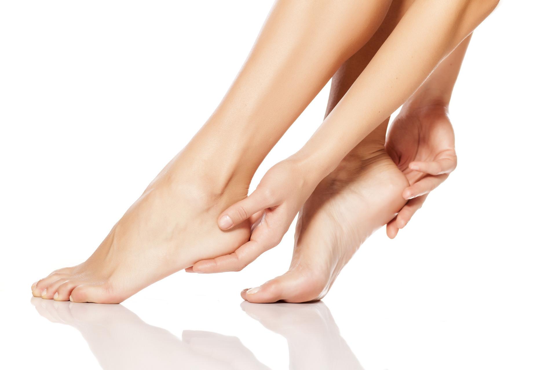 Jak dbać o suche stopy? - Wizaz.pl