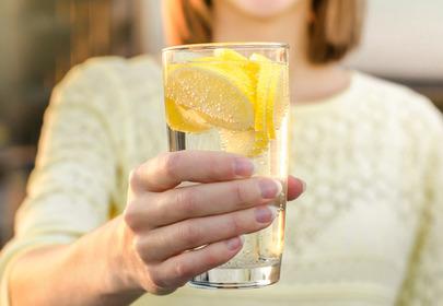 woda z cytryną właściwości odchudzanie skóra odporność