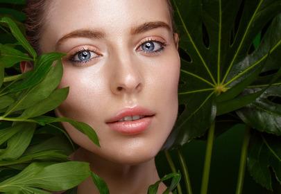 Delikatny makijaż - jak zrobić i jakich kosmetyków użyć?