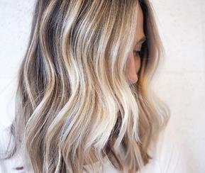 Trendy 2019: koloryzacja sand hair