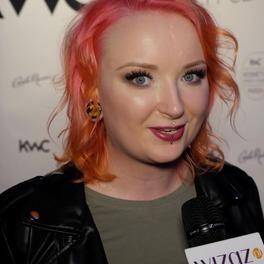 Red Lipstick Monster podczas wywiadu